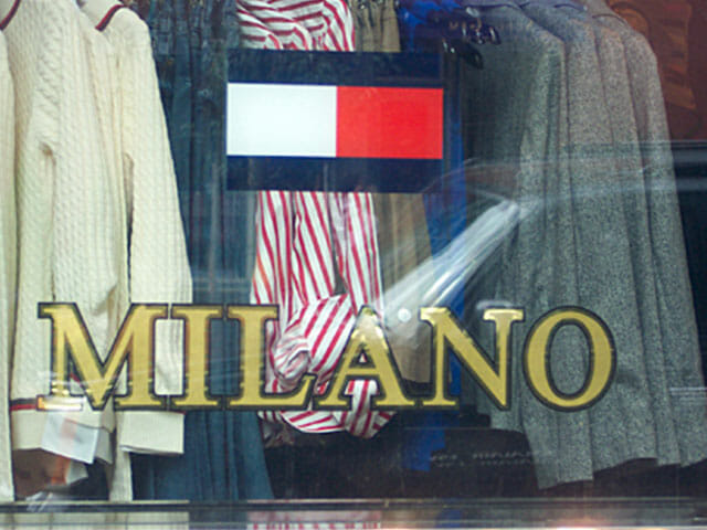 Gold leaf manhattan Tommy Hilfiger window sign